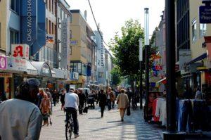 In Gelsenkirchen leben ohnehin schon seit Jahrzehnten viele Ausländer, die Freunde sind.