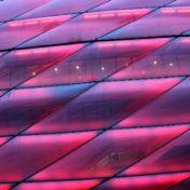 Badstuber feiert Schalke-Debüt im eigenen Wohnzimmer